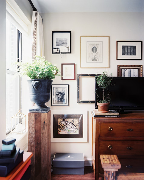tv gallery wall inspiration houseologie. Black Bedroom Furniture Sets. Home Design Ideas