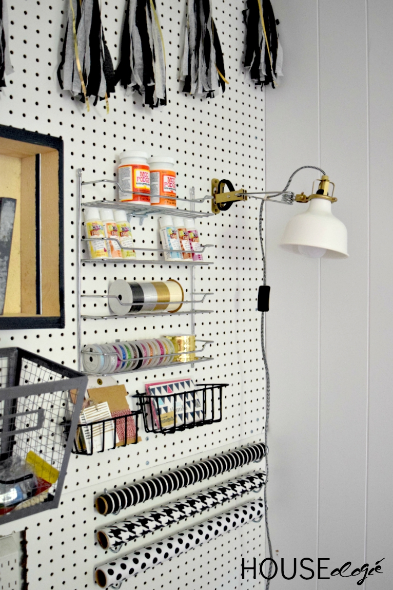 Craft room pegboard organization houseologie for Craft room pegboard accessories