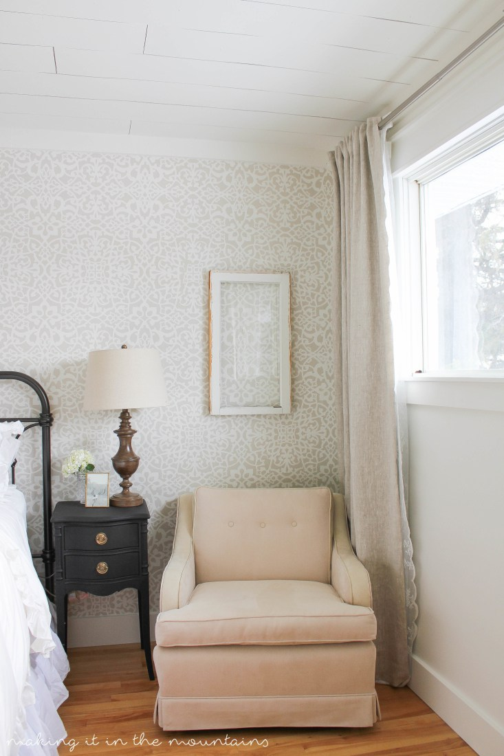 Wow This Stencil Wall Treatment Is So Pretty! Looks Like The Real Thing!