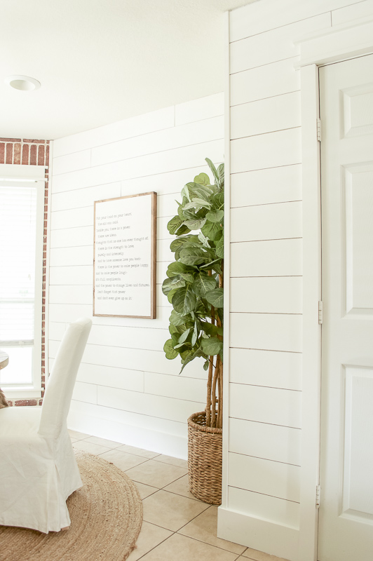 Wow This Dining Room Shiplap Is Gorgeous And Pretty Simple To Diy In A